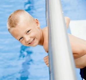 El exceso de cloro puede provocar asma en los niños