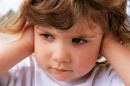 Síntomas de Otitis media – Problemas de oído y su tratamiento