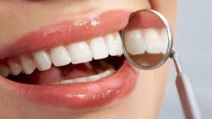 Las células madre permitirán regenerar el hueso que se fija en los implantes dentales