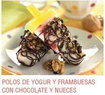 Polos de yogur y frambuesas con chocolate