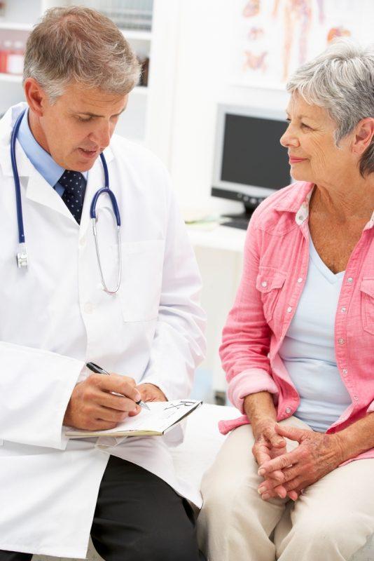 Esteve convoca cuatro becas a los mejores proyectos de atención al paciente crónico
