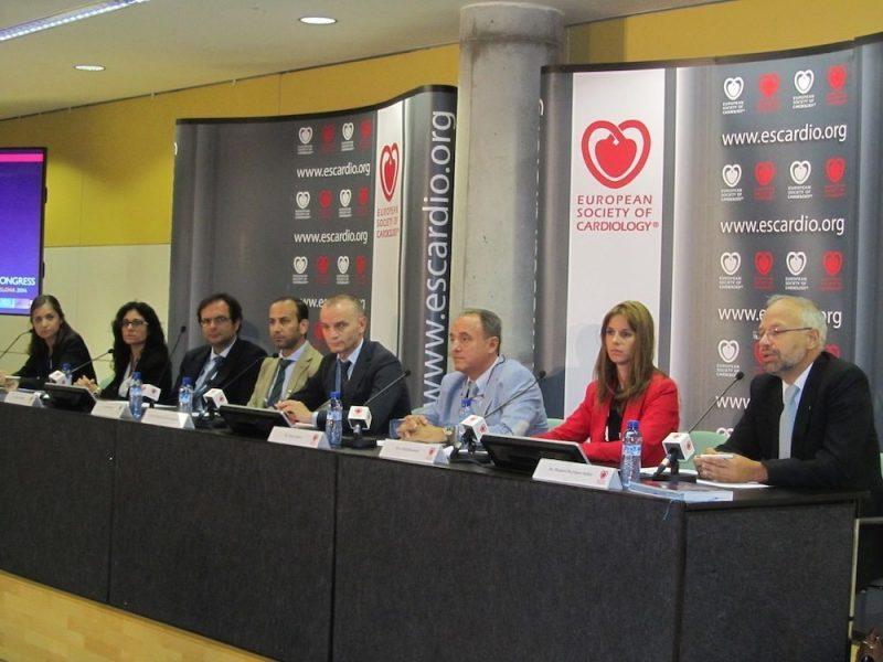 Cardiólogos españoles implantan fórmulas pioneras que permiten un mejor control de sus pacientes