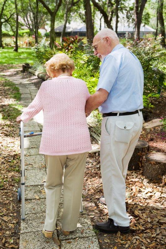 """La osteoporosis es algo más que """"mujeres y fracturas de cadera"""""""