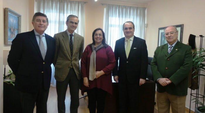 4.000 farmacias andaluzas se implicarán en actividades de información y apoyo a los afectados por fibromialgia
