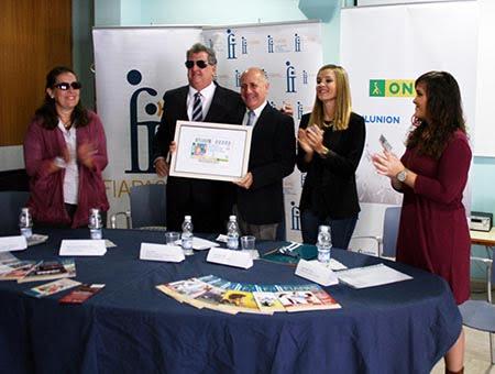 La ONCE dedica su cupón de este sábado a las personas sordas