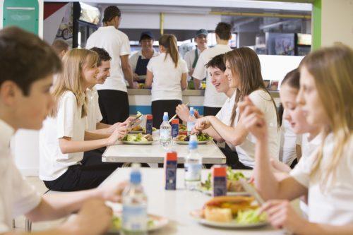Inculcar buenos hábitos de alimentación a través del menú escolar
