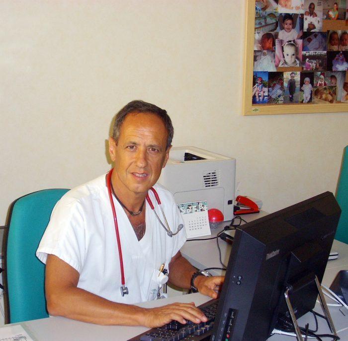 """Javier Álvarez: """"Se involucra a los padres en los cuidados del niño prematuro como parte del tratamiento"""""""