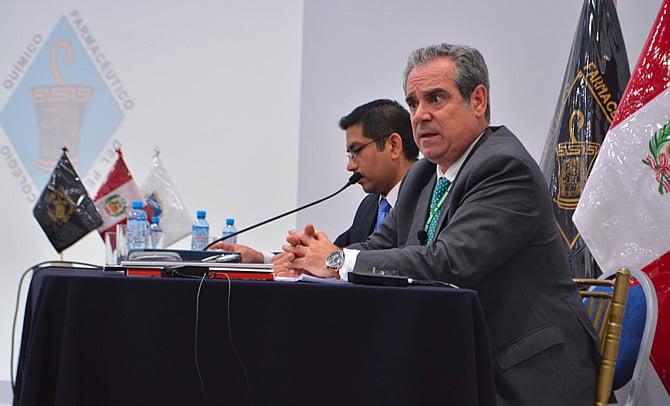 Jesús Aguilar expone en sudamérica el desarrollo asistencial de la Farmacia española