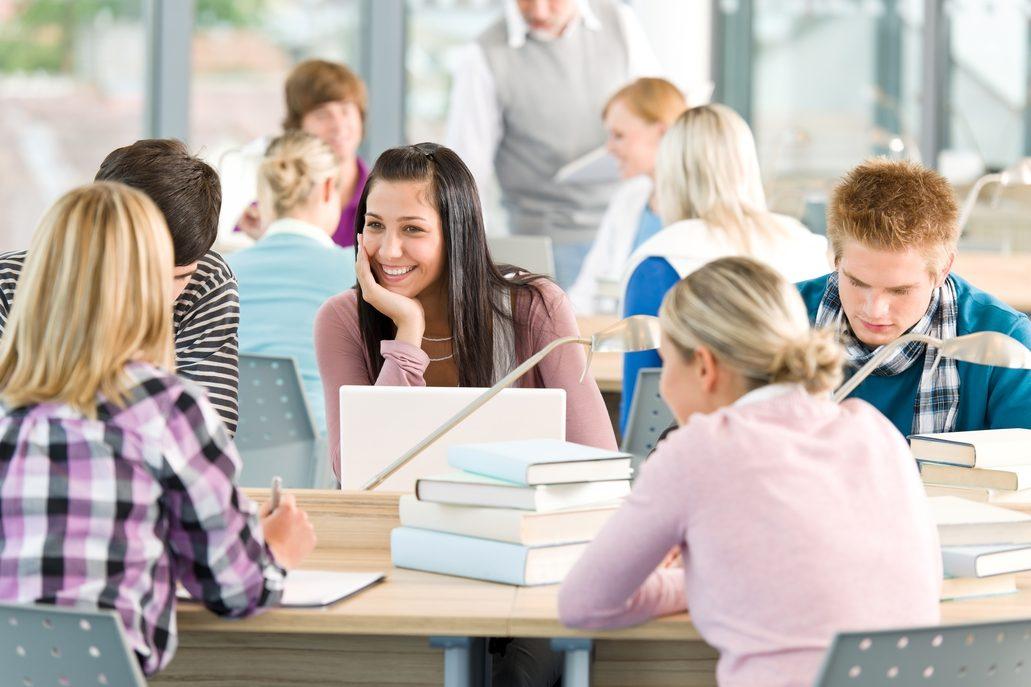 Bayer orienta e inspira a los jóvenes sobre su futuro profesional
