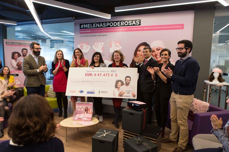 Carrefour y Ausonia donan 47.475 euros para pelucas oncológicas