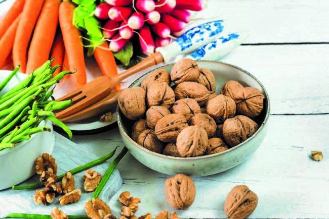 Una dieta mediterránea suplementada con nueces es más eficaz que una hipocalórica para reducir la grasa