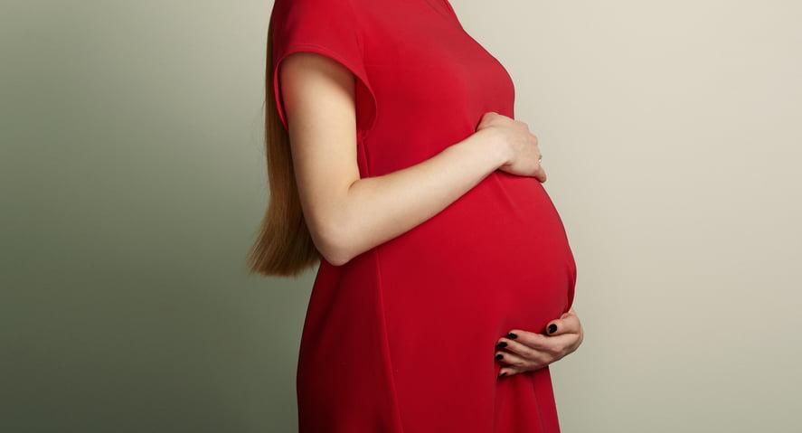 La historia de Khadija, una mujer que se quedó embaraza estando en diálisis