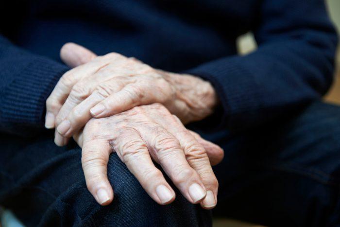 Cientos de pacientes de párkinson afectados por la retirada APO-go PEN