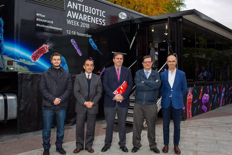 En marcha el 'Autobús de las Bacterias' para promover el uso responsable de antibióticos
