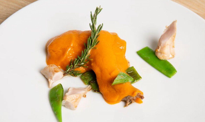 Conejo con falsa boloñesa de curry