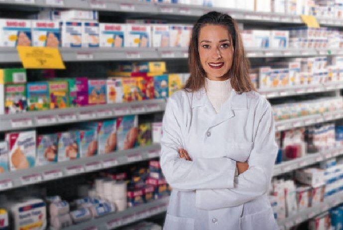 """IV Feria """"Mayores en Acción"""": el farmacéutico con la tercera edad"""