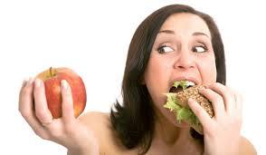 """7 causas que nos llevan al síndrome del """"comer emocional"""""""