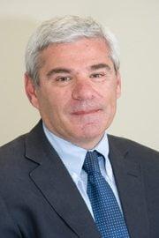Alfredo Adán, oftalmólogo