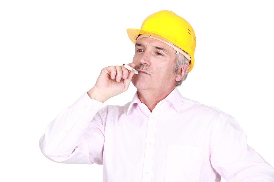 Dejar de fumar aumenta la productividad laboral un 4,5%