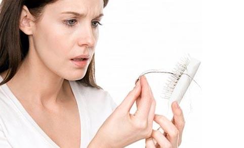 10 consejos para frenar la caída del pelo, por la AEDV