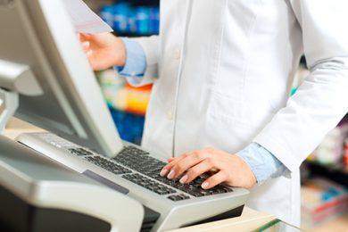 La farmacia española percibe que su situación económica se estabiliza