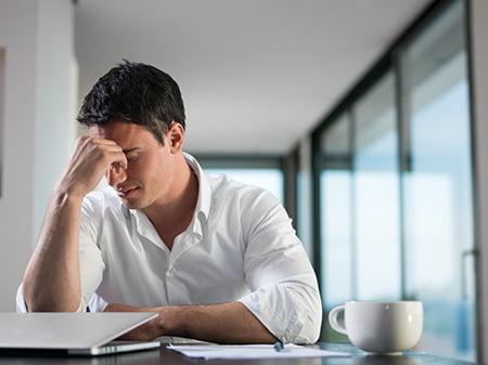 Mesa de debate sobre depresión y entorno laboral