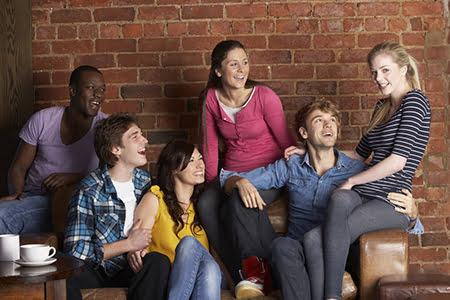 Agresividad, desinhibición sexual, alcohol… problemas de los jóvenes hoy