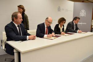 Renovado el convenio por la sostenibilidad del modelo sanitario entre Gobierno e Industria Farmacéutica