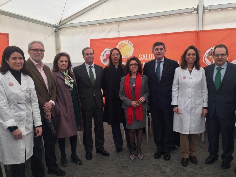 """La carpa """"El farmacéutico que necesitas"""" muestra en Sevilla el valor de los servicios farmacéuticos"""