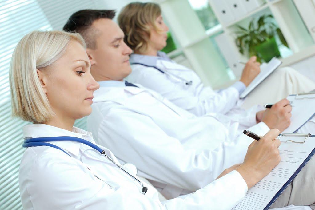 4 sociedades apuestan por la coordinación médico-farmacéutica en atención al paciente crónico
