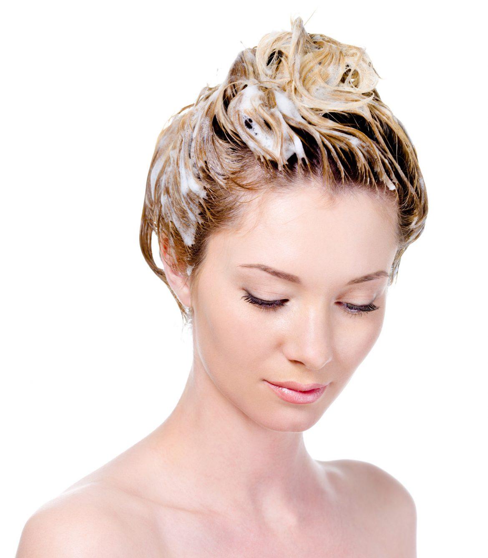 ¿Te puedes lavar el pelo todos los días? Con champú pH neutro sí