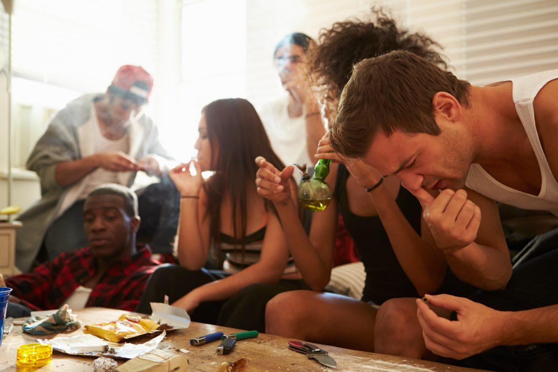 El chemsex o uso de cócteles de drogas durante el sexo crece de manera alarmante