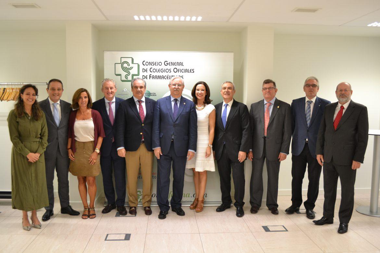 Médicos y farmacéuticos ahondan en sus líneas de colaboración