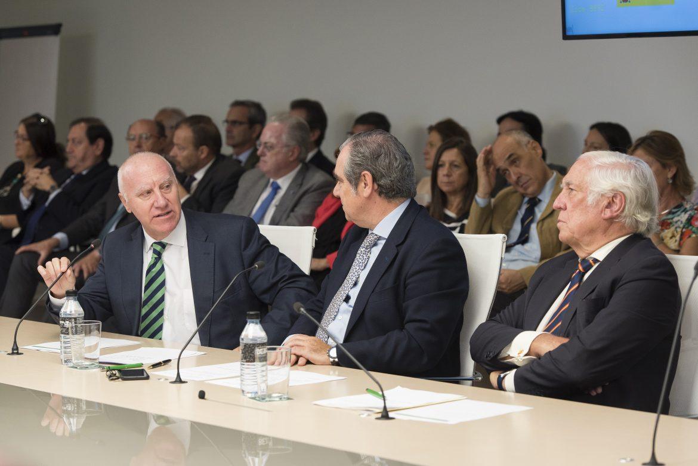 El modelo español de farmacia es un ejemplo para muchos países por su innovación, calidad y cercanía