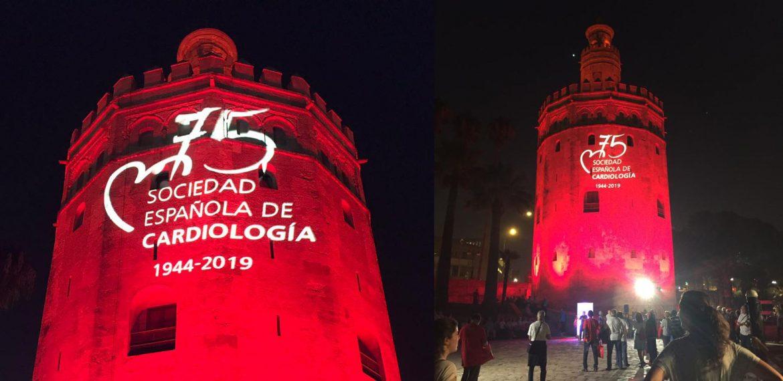 La Torre del Oro se ilumina de rojo en honor a los cardiólogos
