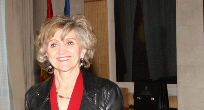 La Ministra de Sanidad reconoce la asistencia farmacéutica como parte de la atención integral al paciente