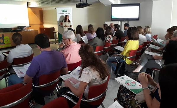 GUM y Bidafarma forman a los farmacéuticos de Sevilla sobre diabetes y periodontitis